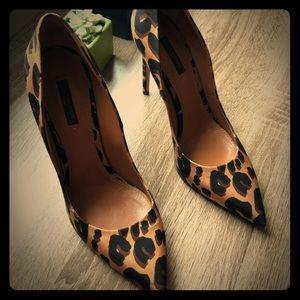 Louis Vuitton Silk Leopard Print Eyeliner Pumps